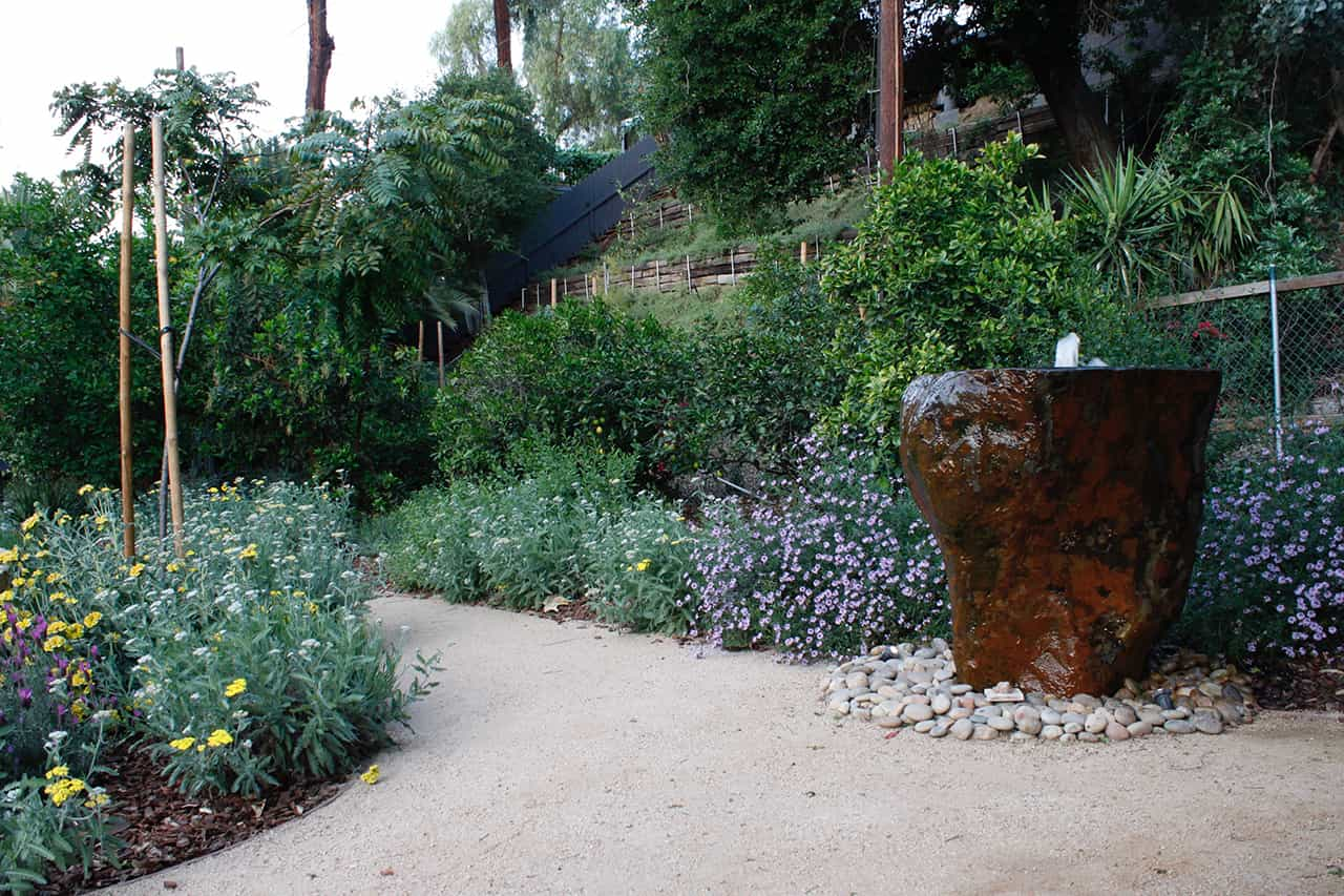 photo of garden 35 in sherman oaks